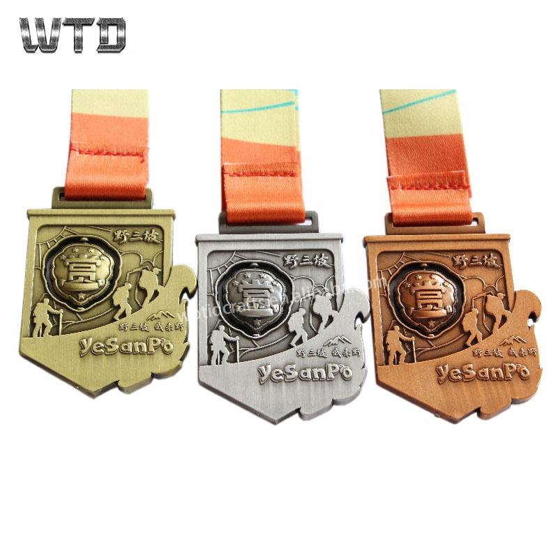 Wrestling Spinning Medal